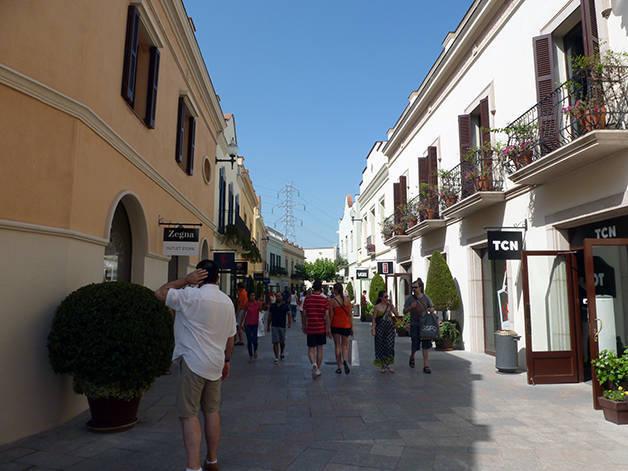 roca village calle