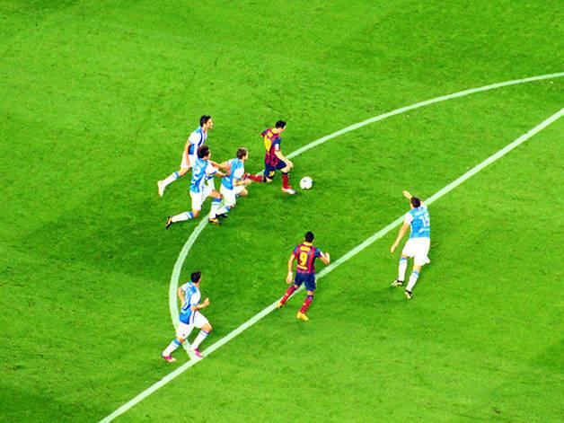 3bcf0beeaaca6 Aquí tienes una gran cantidad de información sobre tres jugadores clave del  FC Barcelona. Al leer sus pasos