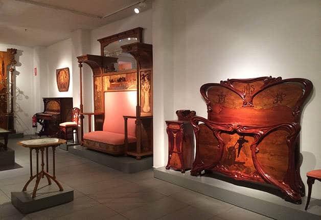 Mobiliario para museos aprobados los pliegos para dotar for Oficina ing bilbao