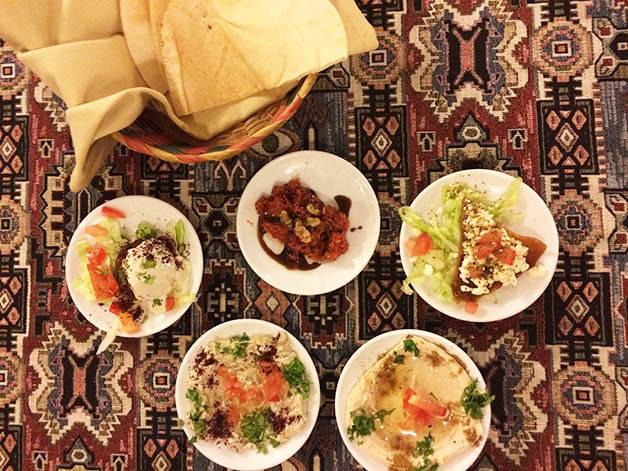 Comer halal en Barcelona: viaje culinario por el mundo indo-árabe