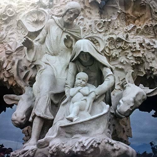 La reconstrucción de Notre Dame. - Página 4 Sagrada-familia-sainte-famille-post